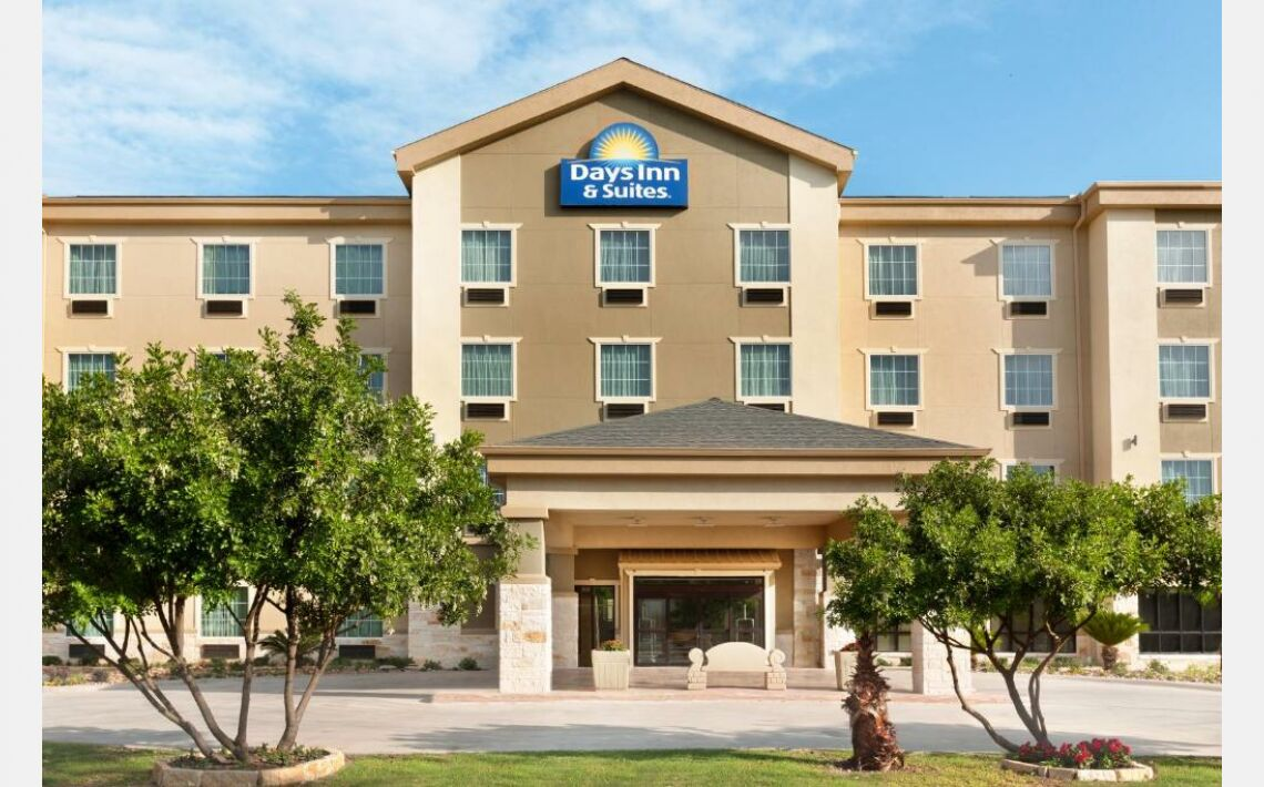Photos of Days Inn & Suites by Wyndham San Antonio near AT&T Center. 4038 I-10 East, San Antonio, TX 78219-4057, United States of America